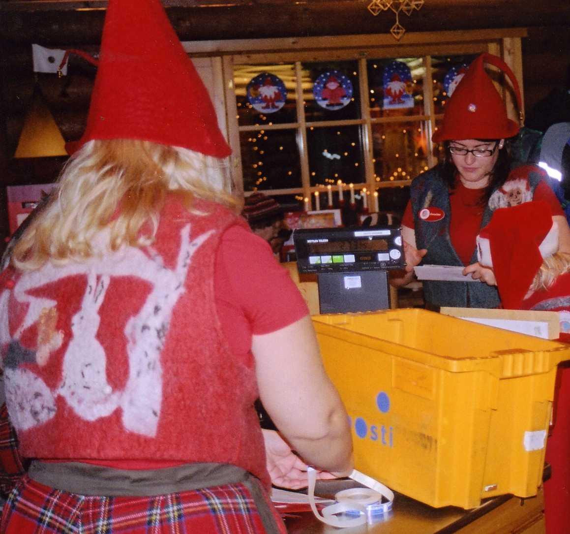 Rovaniemi babbo natale rudolph gli elfi e le lunghe for L ufficio postale di babbo natale