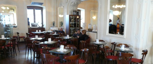 Trieste la storia scritta nei caff il pinguino viaggiatore - Caffe degli specchi ...